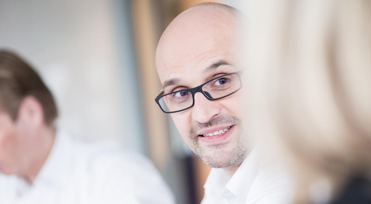 Achim Bassa referiert bei Essener Forum über Kinderbetreuung